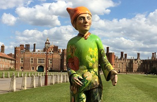Statue of gnome in front of Hampton Court