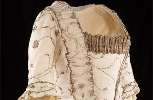 Muslin and silver court mantua 1780s