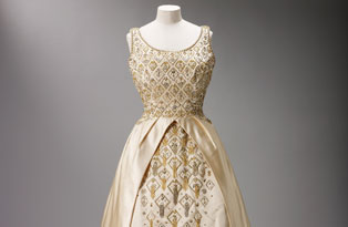 Norman Hartnell evening gown worn by HM The Queen, 1963