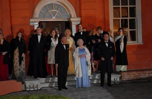 The Royal Family outside Kew Palace