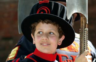 Boy dressed as a Yeoman Warder