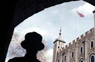 Silhouette of a Yeoman Warder