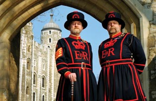 Yeoman Warders Tom Sharpe and John Keohane