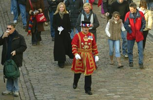 Yeoman Warder with a group of visitors