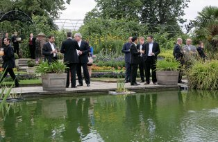 An introductory event in the Sunken Garden